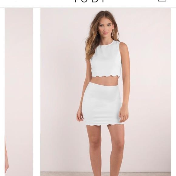 2d5b4ae90a Tobi crop top and scallop skirt set. M_5a18aa162fd0b77dd208ba84