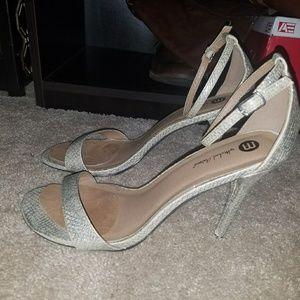 Strappy sandal heel