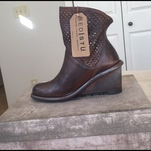 Bed Stu Dutchess leather boots