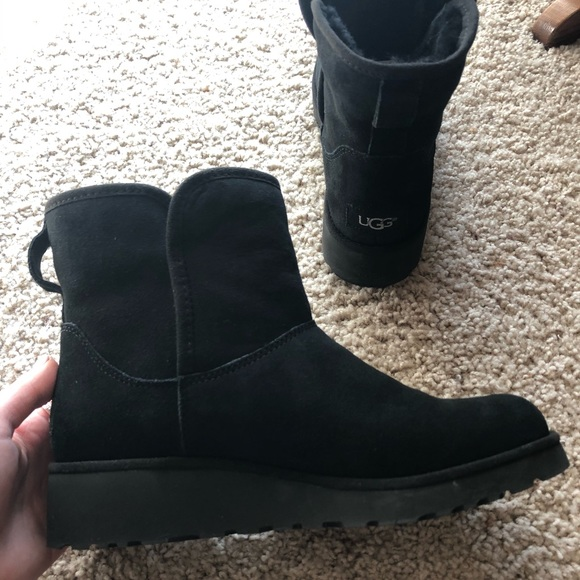 50224166981 Women's UGG boots! Kristin style in black. NWT