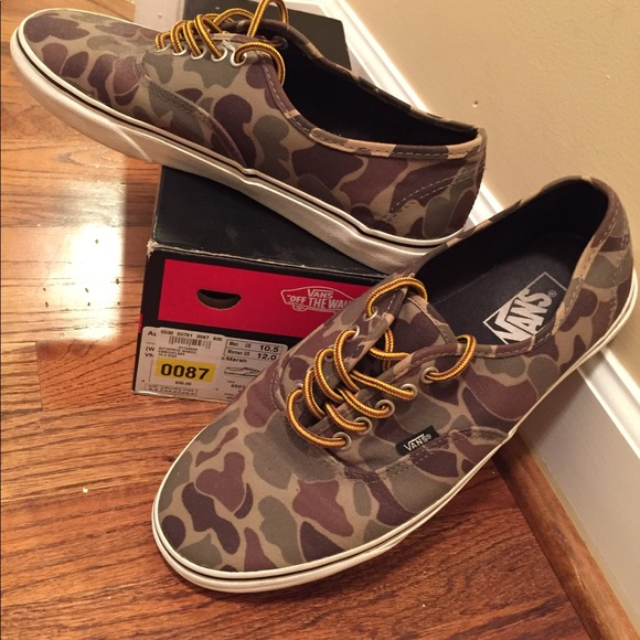 cd9a68330c Vans Authentic Camouflage Waxed Canvas Skate Shoes.  M 5a18aef34127d039fe08bd9f