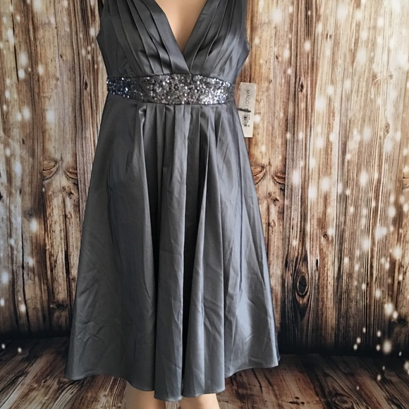 Maggie London Dresses & Skirts - Beautiful Maggie London party dress size 6