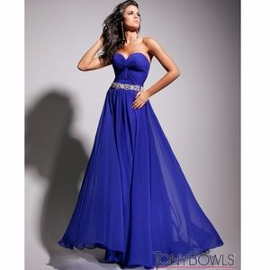 Absolutely beautiful A-line by Tony Bowls Evening