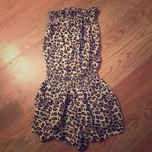 Leopard Print Romper with pockets XS