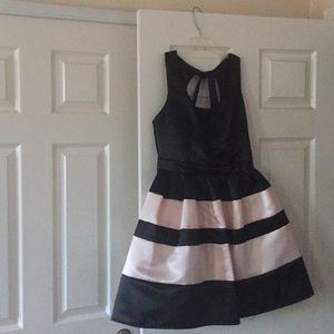 👗WINDSOR BLACK AND PINK DRESS 👗