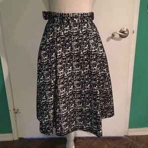 Black and White A-line skirt H&M size 4