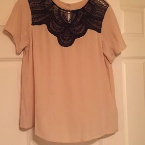 Beautiful Lace and Silk Blouse Anthropologie XS