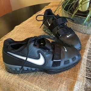 Never been worn Nike romaleos 2 powerlifting shoes