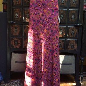 Pretty boho  fuchsia print Lularoe Maxi skirt!