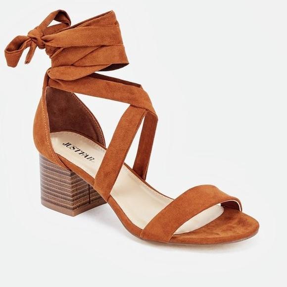 7148afda1ad JustFab Shoes - Tie Up Brown Short Block Heel Sandals - NWOB