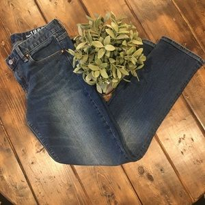 Gap Real Straight Jeans Medium Wash 29S