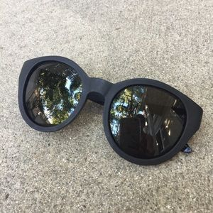 Woodzee Black Naomi Sunglasses