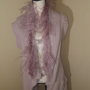 Bisou Bisou sweater with feathered collar