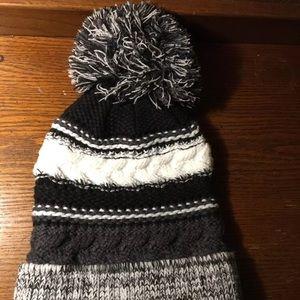Winter bobble head hat