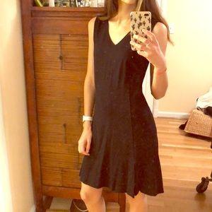 NWT THEORY little black dress size m