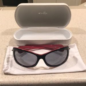 Woman's Oakley sunglasses