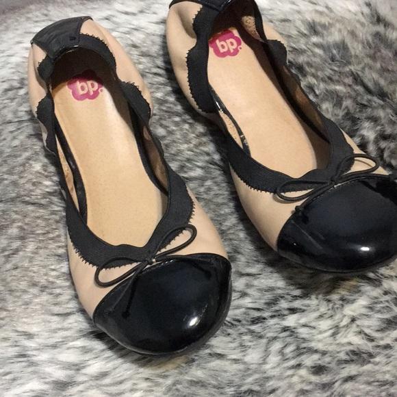 22da44f9da0 bp Shoes - BP NUDE AND BLACK FLATS