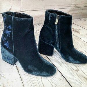 NWOT Kenneth Cole NY Velvet Blue Boots