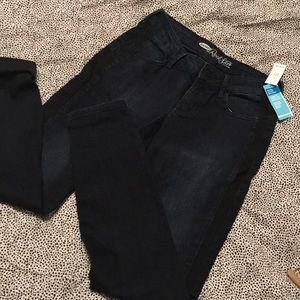 NWT Women's Old Navy skinny Jeans. Size 6.