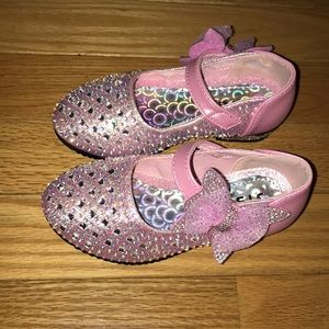 Other - NWOT beautiful bling shoes 😍🌺