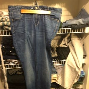 Lot of 2 old navy sz 18 skinny jeans