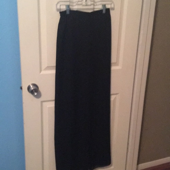 Adrianna Papell Dresses & Skirts - Holiday skirt with flirty layers 100% poly