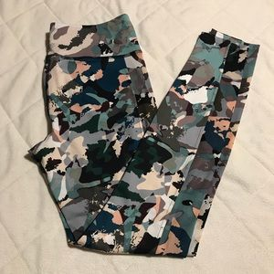 Abstract Print Active Leggings (never worn)