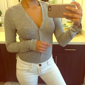 Sweaters - Snap v neck bottom top