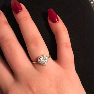 Pandora sparkling love heart ring