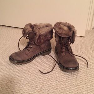 Brown Furry winter boots