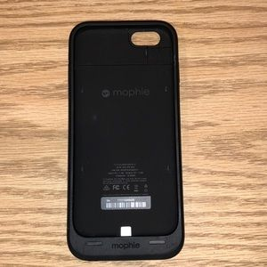 Mophie Charging Case- iPhone 6
