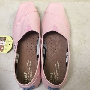 Pink Toms NWT