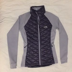 North face light weight quilted jacket