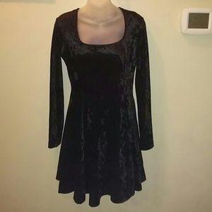 Black Crush Velvet Dress