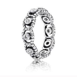 Pandora Her Majesty ring