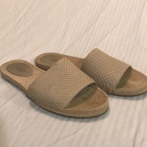 Women's Ugg sandal size 7M