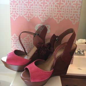 Gianni Bini wedge sandals with flower detail