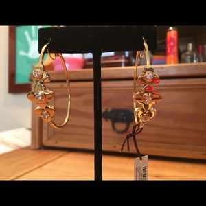 NEW Henri Bendel Petal Medium Hoops in Gold
