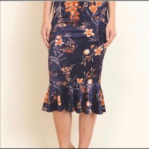 6d32cfe868 Le Lis Skirts - 💎Beautiful floral skirt💎