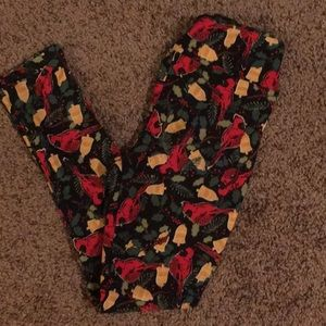 LuLaRoe OS Christmas leggings!