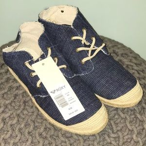 Roxy canvas shoes