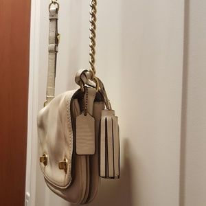 Coach Leather White Cross Body Bag Chain Gold