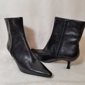 Bandolino Black Leather Pointed Toe Boots-Size 7M