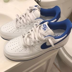 Nike Air Force 1 Low Retro Blue and white (size 9)