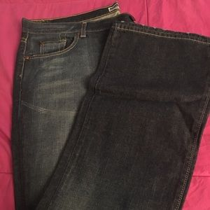 Old Navy, low waist, boot cut, size 18 jeans