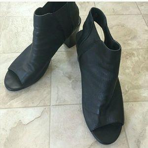 Steve Madden Peep Toe Heels