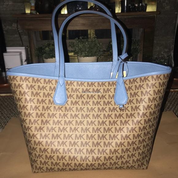 224a5b66c1e8be Michael Kors Bags   Candy Large Reversible Tote Bag   Poshmark