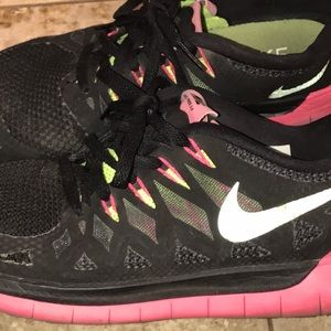 Nike Free 5.0 in Black/Pink/LimeYellow size:9