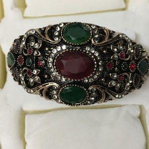 Antique Gold Trillium Flower Rhinestone Bracelet