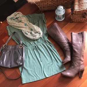 Cute Casual LOFT Dress - New Condition